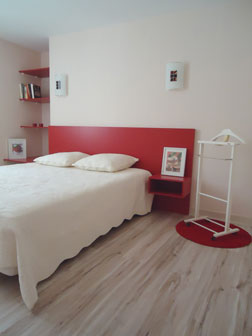 "The ""Fraise"" bedroom : a wide double bed"